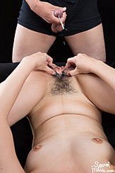 Man Masturbating Over Her Cumming On Her Pussy